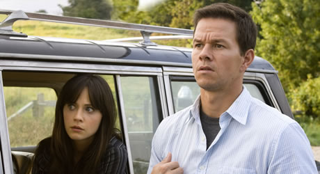 Zooey Deschanel and Marky Mark Wahlberg in The Happening