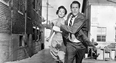 Kevin McCarthy and Dana Wynter in Invasion of the Body Snatchers